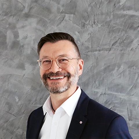 Holger Tiemann