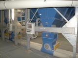 Staubaustrag aus Filteranlage über Zellenradschleuse und Förderleitung