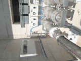 Coupling and closing system for granule transport