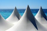 ROWA Lack weiße Zelte am Meer