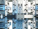 Kunststoffspritzgießwerkzeuge in Etagen- und Tandemwerkzeugausführung